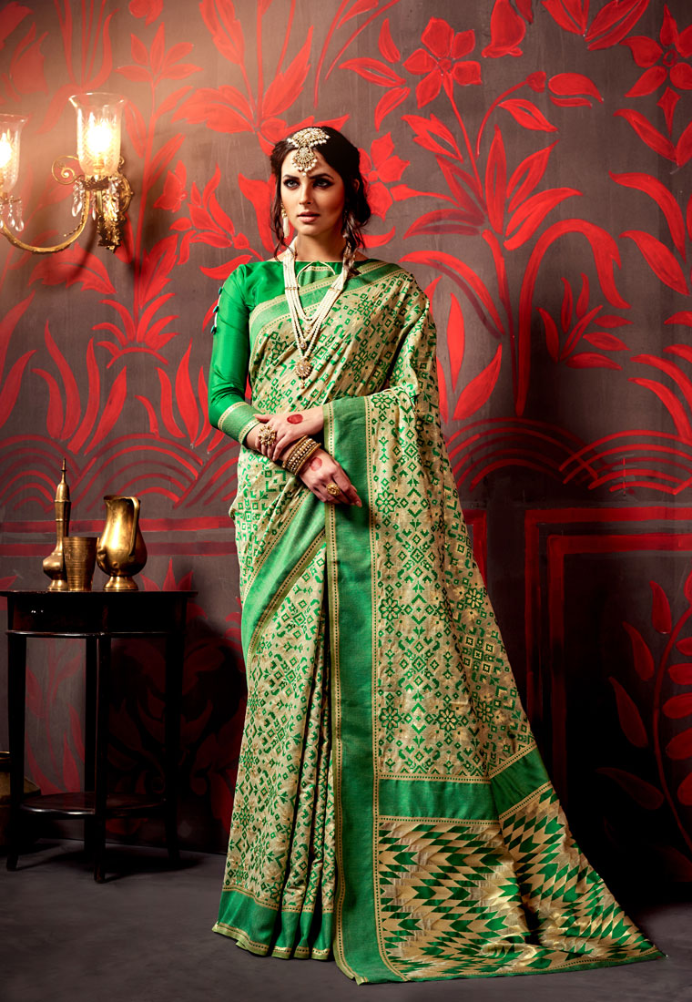 d846fdaa8d Top 10 Designer Sarees Every Indian Woman Should Own | FolkFashions - Mogul