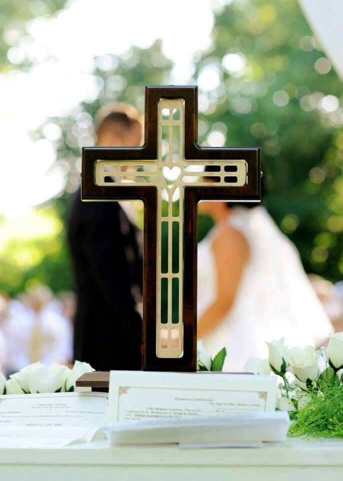 Ideas to Decor Christian Wedding using Christ-centered & Cross ...