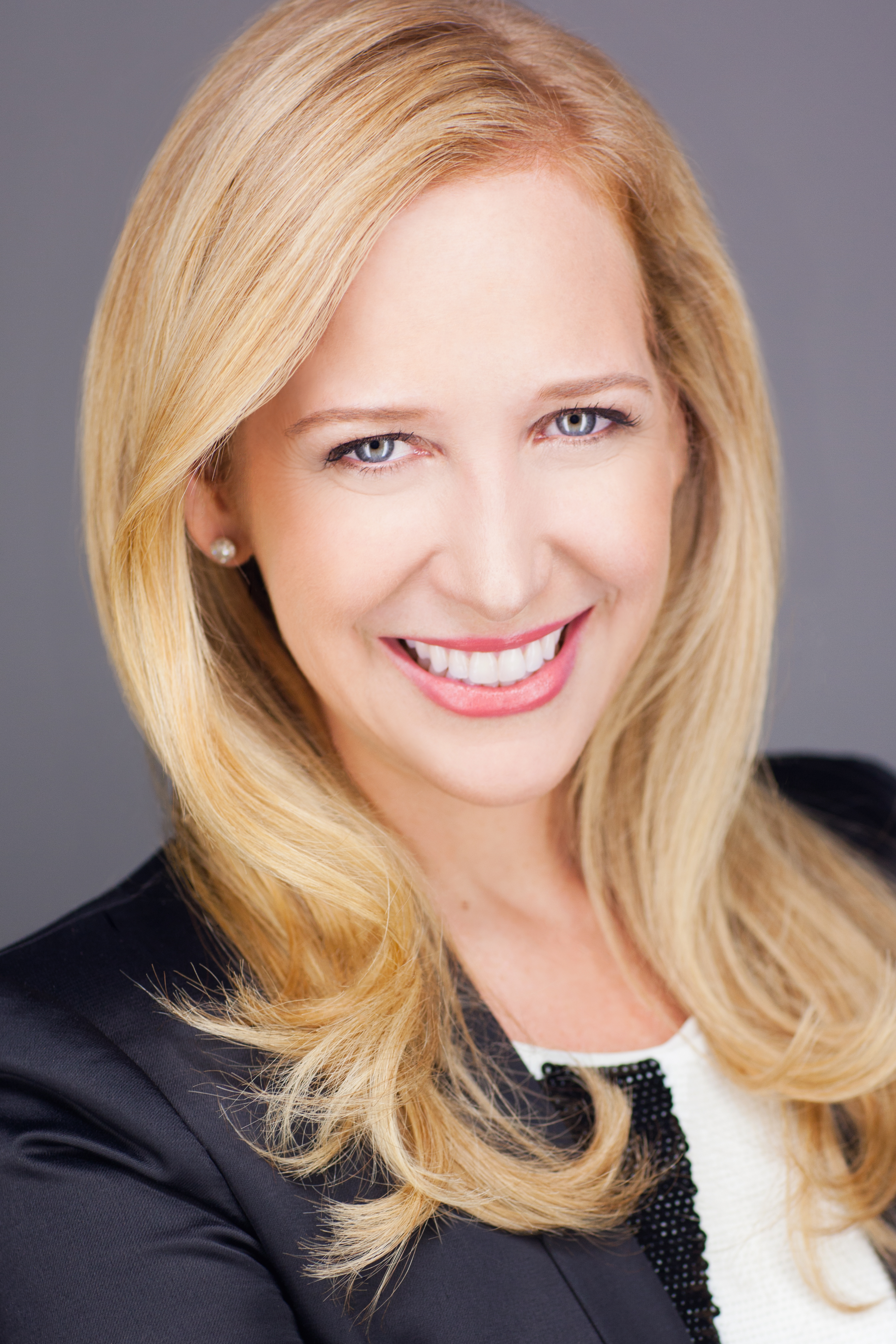 moguls of the world alexandra wilkis wilson the co founder of mogul what inspired your decision to leave investment banking at merrill lynch to pursue a career in the fashion industry
